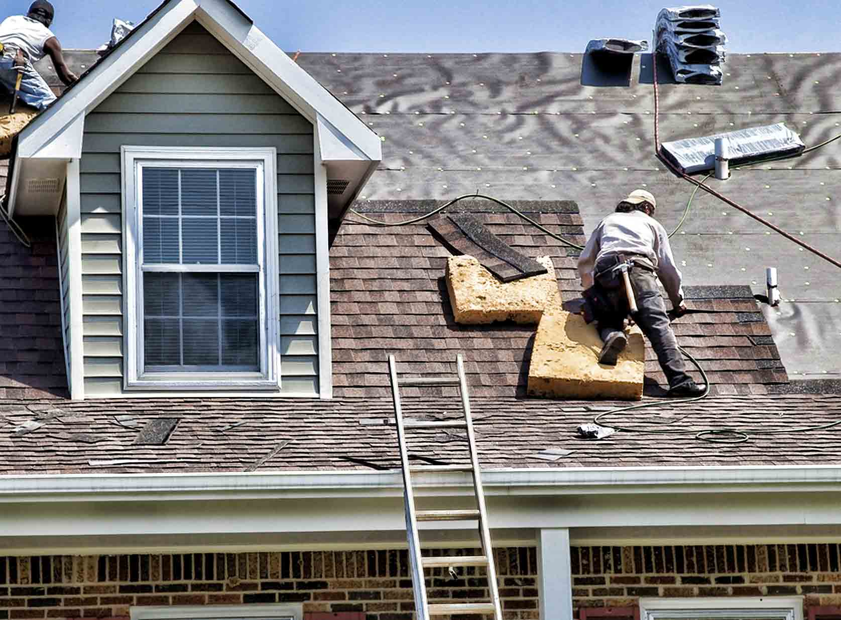 Choosing the right roofing contractor to replace your roof
