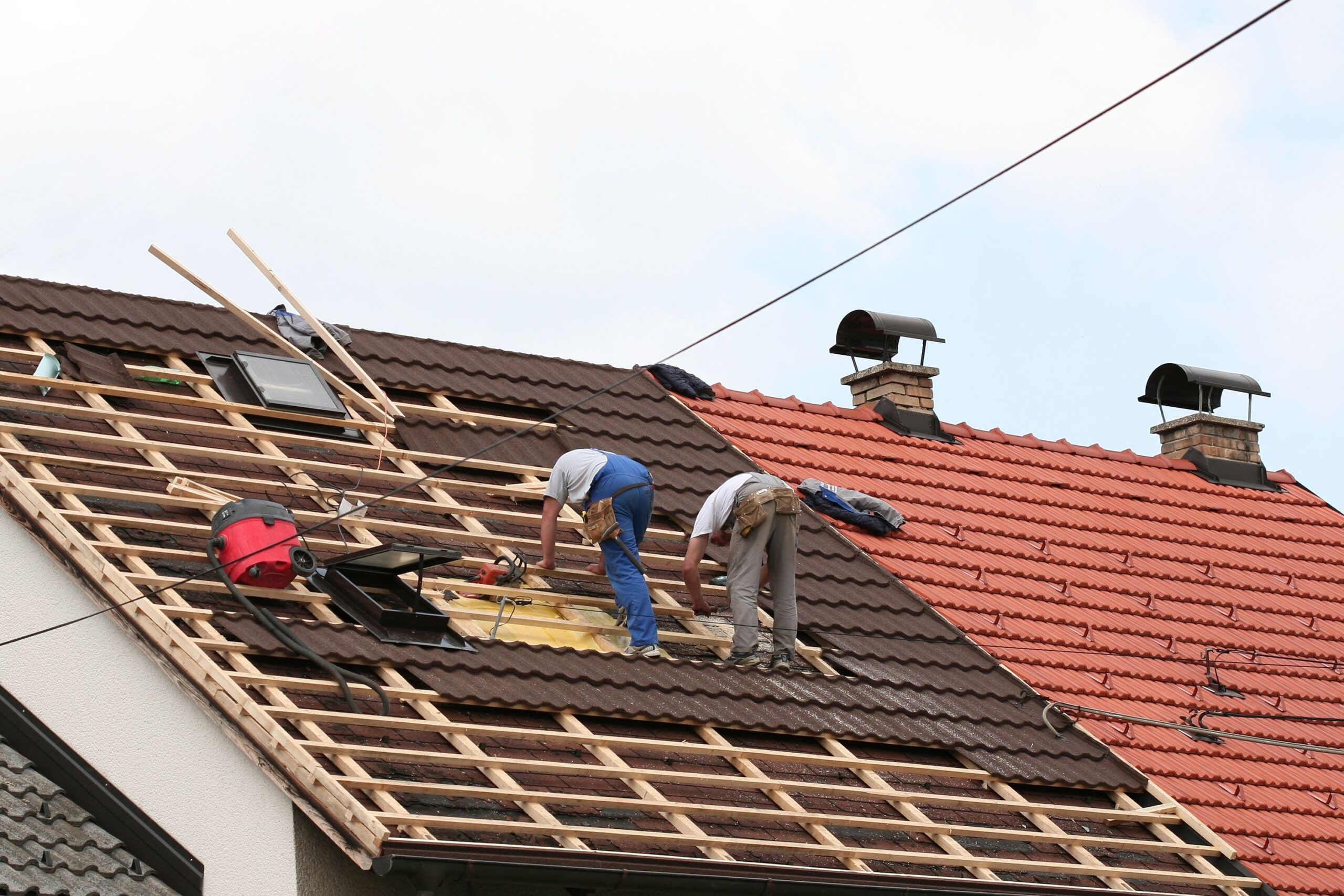 Some benefits to hiring good Roofing companies Longview Texas for your home projects