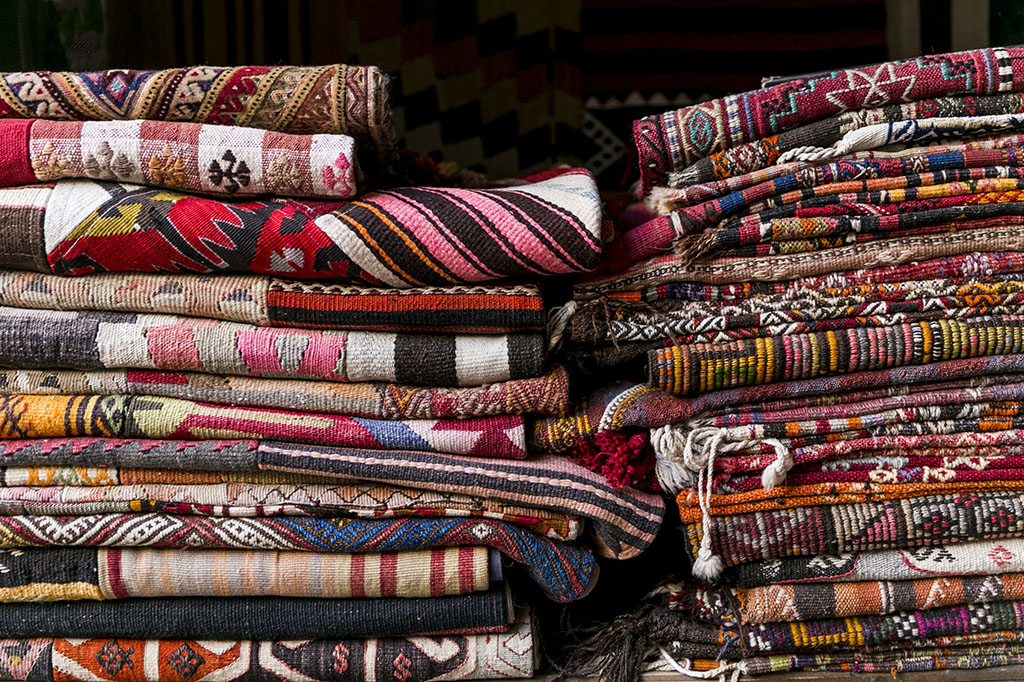 7 Considerations To Keep In Mind As You're Shopping For Turkish Rugs